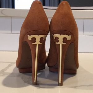 Tory Burch Pump-Style: Jude Softy Suede Size 9